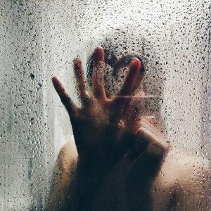 Zuhanykabin és zuhanytálca